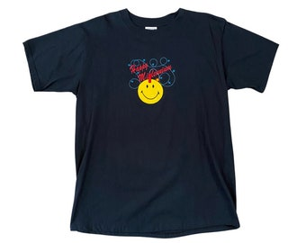 2000 Happy Millennium Happy Face with Dynamite stitched Novelty T-Shirt (L) - Deadstock