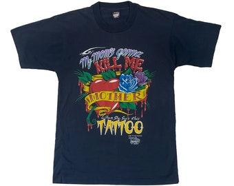 1990 My Mom's Gonna Kill Me Tattoo J.D. Crowe Official Tattoo Brand T-Shirt (M)