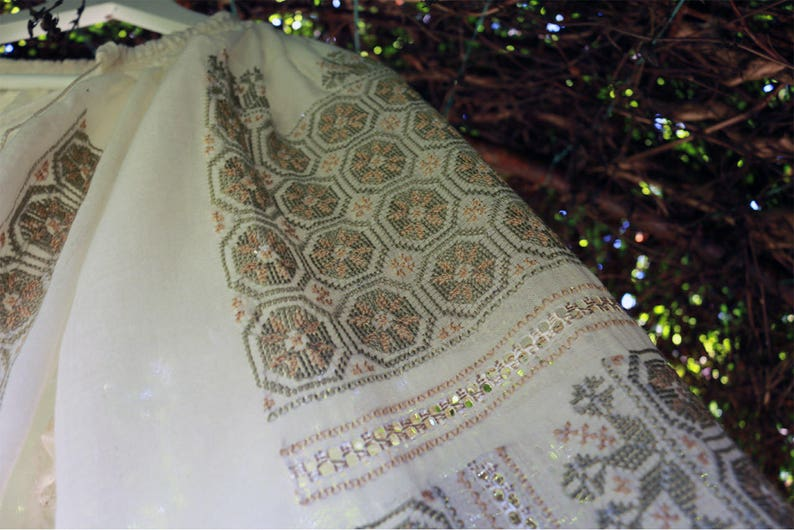 boho blouse wheel of luck handmade hand embroidered Romanian Embroidery blouse cotton la blouse roumaine hippie natural fiber