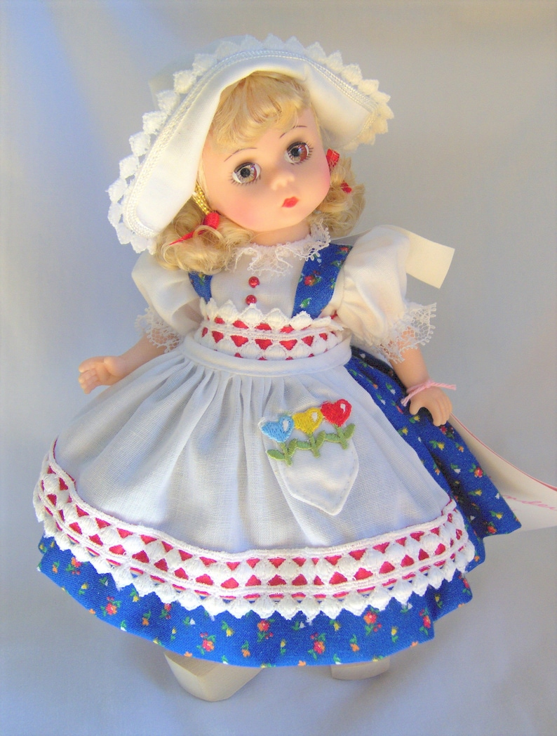 NEW in Box RARE Madame Alexander RUSSIA Russian Girl Country Doll in Blue Gown