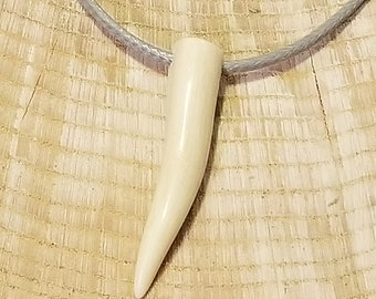 Real Deer Antler Tine Tip Pendant Leather Necklace Native American Tribal Collection Hunting Outdoors (N335)