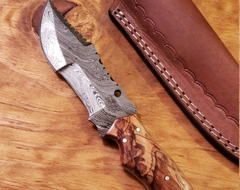 Olive Wood Handle Hunting Knife Damascus Blade With Leather Sheath Outdoors Tools (K523)