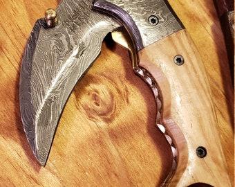 Folding Pocket Knife Olive Wood Handle Damascus Karambit Outdoors Tools (K443)
