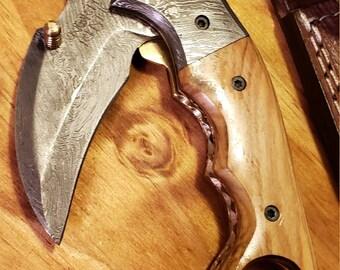 Folding Pocket Knife Olive Wood Handle Damascus Karambit Outdoors Tools (K444)