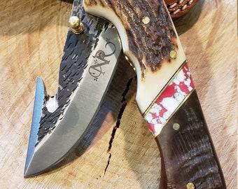 Folding Pocket Knife Deer Antler Ram Horn Red Turquoise Handle Hammered Steel (J32)