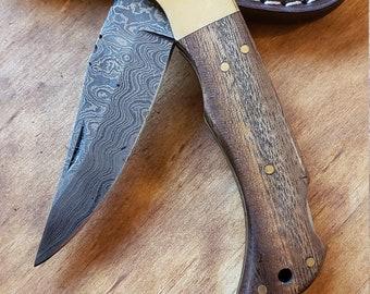 Walnut Wood Handle Folding Pocket Knife Damascus Blade Collection With Leather Sheath Outdoors (K668)
