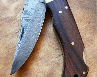 Walnut Wood Handle Folding Pocket Knife Damascus Blade Collection With Leather Sheath Outdoors (K665)