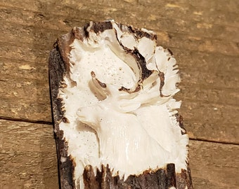 Real Deer Antler Carved Buck Pendant Necklace Tribal Stag Jewelry Rustic Hunting Nature Wild (N358)