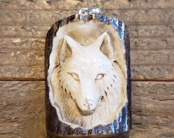 Real Deer Antler Carved Wolf Pendant Necklace Tribal Stag Jewelry Rustic Hunting Nature Wild (N363)