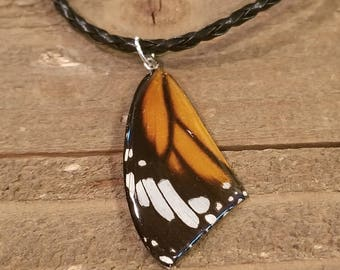 Real Butterfly Wing Necklace On Leather Cord Preserved in Resin Nature Outdoor Boho Hippie Earth Women Jewelry Natural (N59)