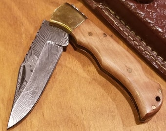 Olive Wood Handle Folding Pocket Knife Damascus Blade Leather Sheath (K262)