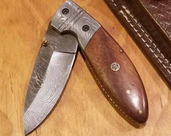 Handmade Rose Wood Handle Folding Pocket Knife Damascus Blade Leather Sheath Outdoors (K266)