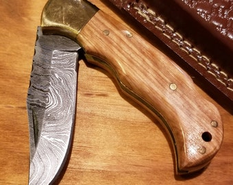 Olive Wood Handle Folding Pocket Knife Damascus Steel Blade Leather Sheath (K255)