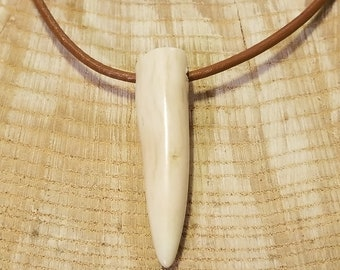 Real Deer Antler Tine Tip Pendant Leather Necklace Native American Tribal Collection Hunting Outdoors (N339)