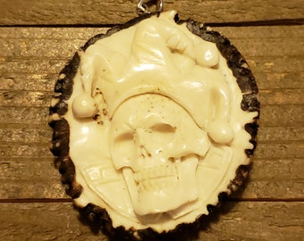 Deer Antler Carved Joker Skull Pendant Necklace Stag Horn Customized Jewelry Rustic Hunting Nature Wild (N716)