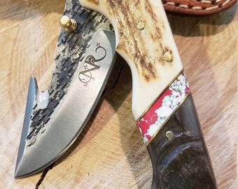 Folding Pocket Knife Deer Antler Ram Horn Red Turquoise Handle Hammered Steel (J31)