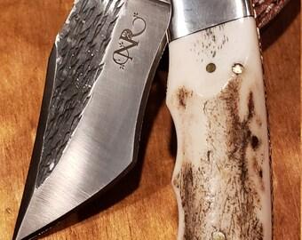 Folding Pocket Knife Deer Antler Stag Horn Hammered Steel Outdoors Tools (J24)