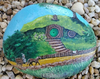 lotr,the hobbit, lord of the rings,gandolf,rock art,painted rocks