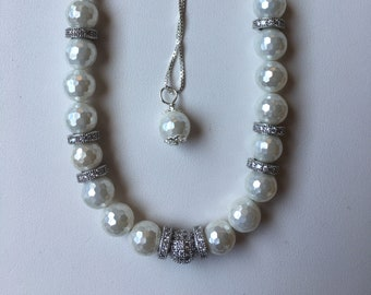 Mother of Pearl Necklace and Bracelet Jewelry Set=White hues=Mother of Pearl Jewelry=Women Pearl Jewelry Set=Moms Mother of Pearl Necklace