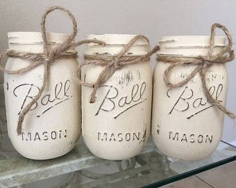 Distressed Mason Jars in Vanilla