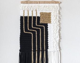 CROCHET PATTERN // crochet wall hanging modern geometrical texture surface tshirt yarn tapestry intarsia home decor // Quadrate Wall Hanging