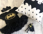 Baby Girl Batman Black tutu romper with Headband, Gold glitter batman, Superhero Marvel, Newborn Gift Present, Halloween Costume Fancy Dress