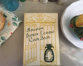 Houston Junior League Cookbook by The Junior League of Houston, 1987 / Vintage Recipes / Vintage Cookbooks / Texas Food / Southern Cuisine