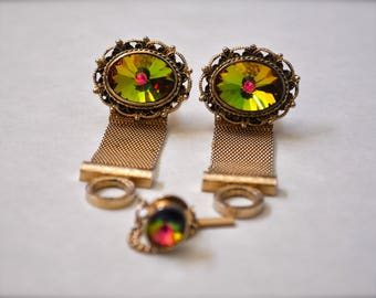 Vintage Dante Mesh Cufflinks & Tie Tack Set wit Green Rivoli Glass and Gold tone Metal