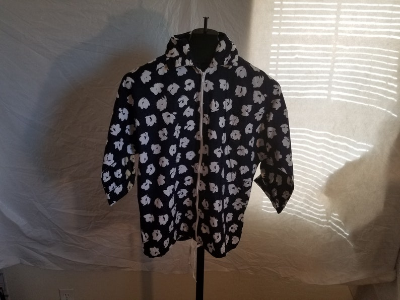 Vintage Christenfeld Of California Size Large 1970s  Zipper Down Blue With White Floral Desings Shirt Jacket With Collar Vintage Liteweight