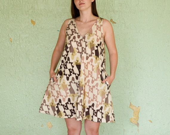 A-line dress - ladies in cages print pink