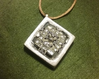 Pendants necklace