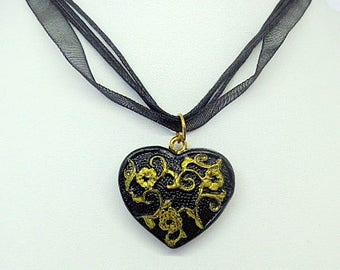 "Necklace Fimo ""Heart flower"" black and gold - handmade"