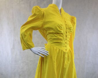 Shirtwaist Yellow Dress 1980's Size L-XL Made in USA Pockets Princess Office Dress Fairytale Dress Modern Belle Hipster Belle Disneybound