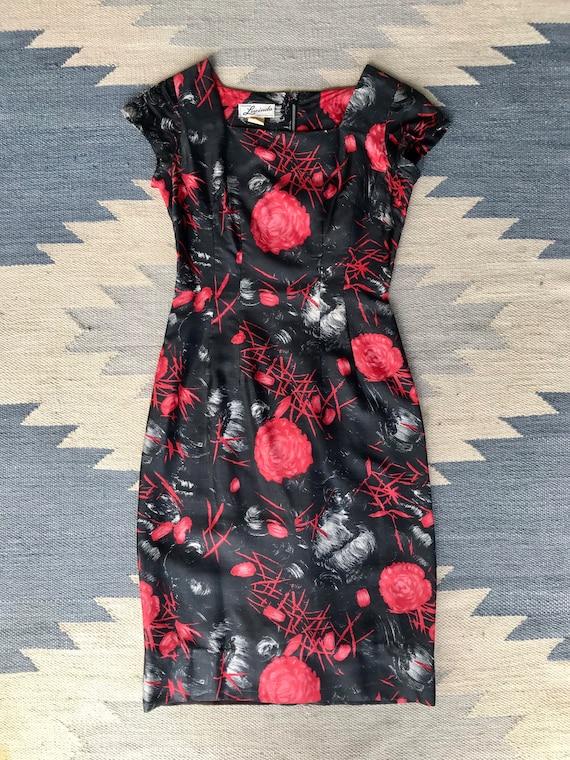 1950s Black + Red Rose Print Silk Wiggle Dress | … - image 4