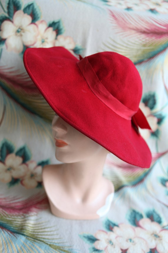 1940s Red Wide Brim Wool Sun Hat