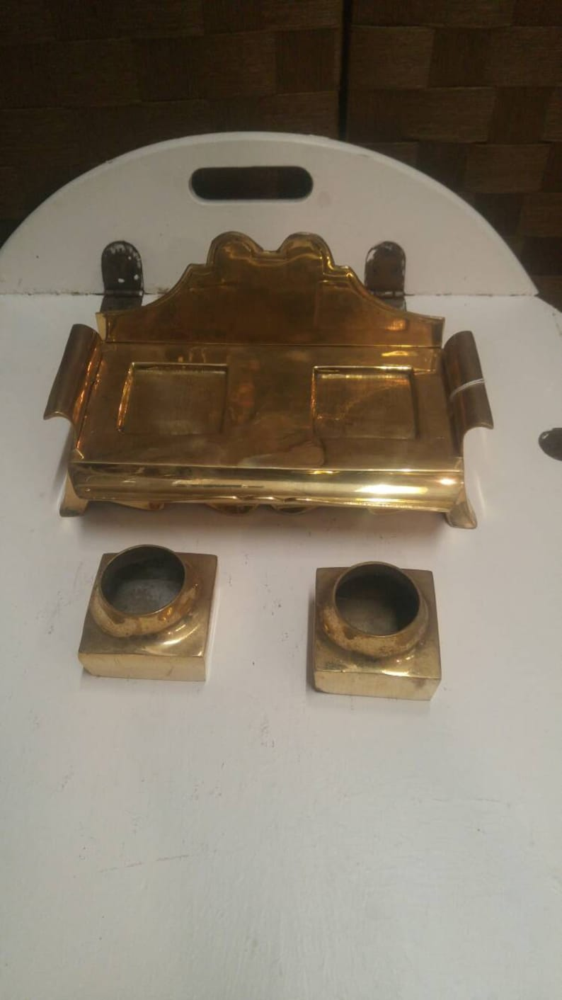 Antique Polished Brass Fountain Pen /& Double Ink Well Holder