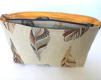 Taschenorganizer beige mit Federn, Fächertasche für Umhängetasche oder Rucksack, Geschenkidee