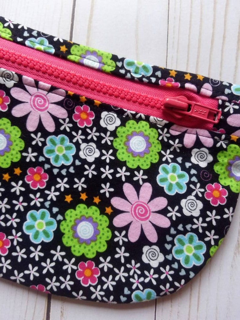 Fanny Pack Cell Phone Hipster Bag Passport Carry Pouch Flower Flat Mini Hip Pouch Hot Pink Black Floral