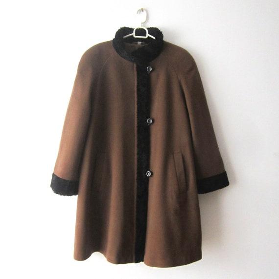 Vintage Women's Wool blend Coat Brown Comfortable