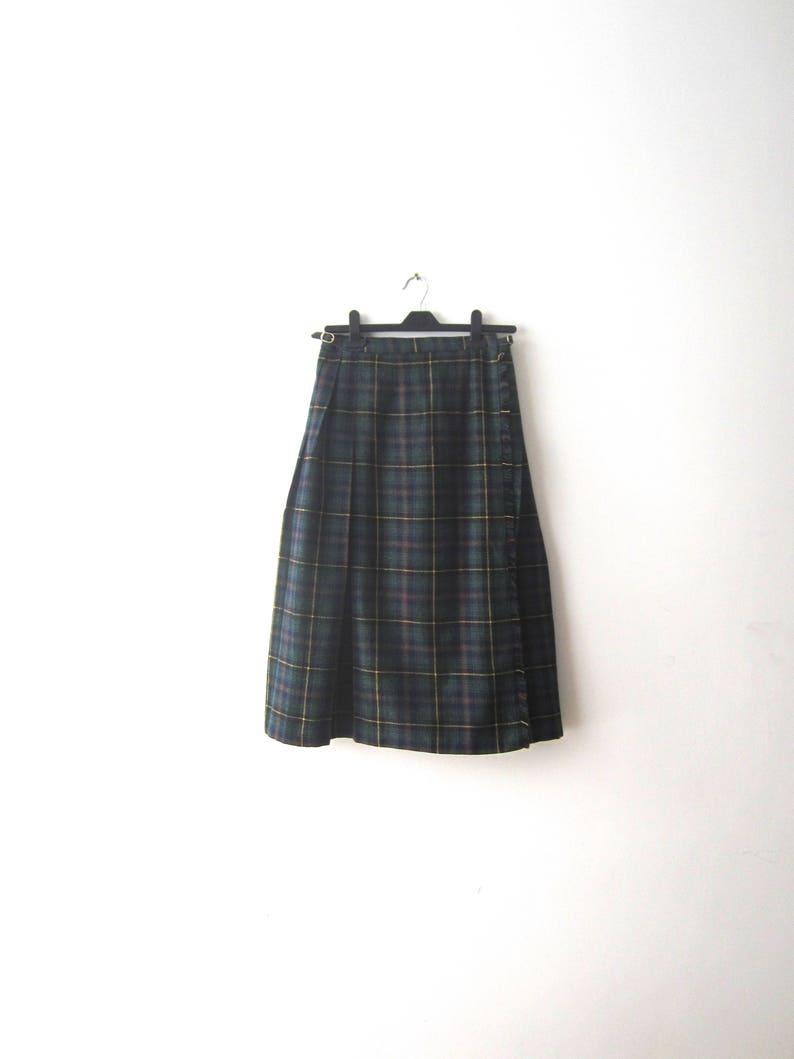 b02519058e Vintage 80s Women Wrap Skirt Tartan Skirt Wool blend Kilt   Etsy