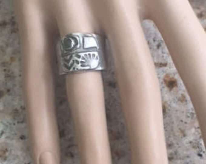 Item 190 - Fine and Sterling Silver Handcrafted Textured Unique Abstract Ring Band with Jade Size 7