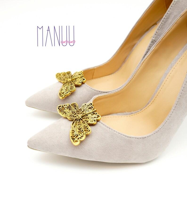 9539ab645044c Golden butterflies -shoe clips for pumps, shoe jewelry, wedding shoe clips,  bridal shoe clips, shoe clips Manuu