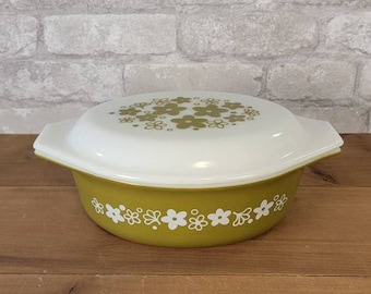 Pyrex Spring Blossom Casserole Baking Dish With Lid  Pyrex 473 1 Qt Lidded Baking Dish  Lime Green With White Flowers
