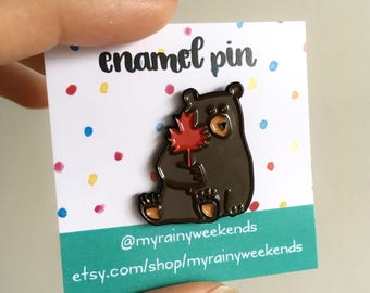 Canada Bear pin / Canadian enamel pin / Canadiana