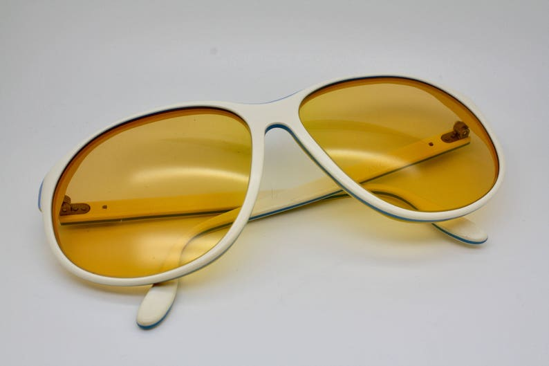 932213c460 70s Vintage Bausch   Lomb Ray-Ban Arcadia Ambermatic Lenses
