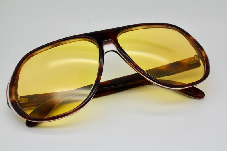 9272807db5 70s Vintage Bausch   Lomb Ray-Ban Blazer Ambermatic Lenses