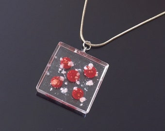 Dotted Resin Pendant, Resin Necklace, Handmade Jewellery, Natural Jewellery, Birthday Gift,