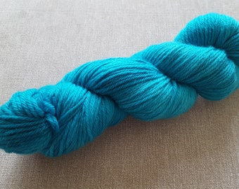 Icy Turquoise  sing co: Handdyed Corriedale Aran weight NON superwash yarn.
