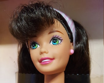 Spring Petals Barbie 1996 Made Exclusively for Avon
