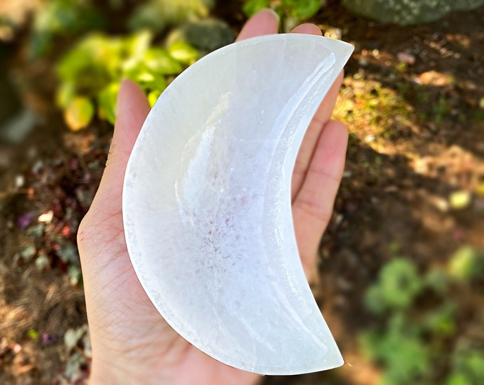 Featured listing image: Crescent Moon Selenite Charging Bowl (10 cm)